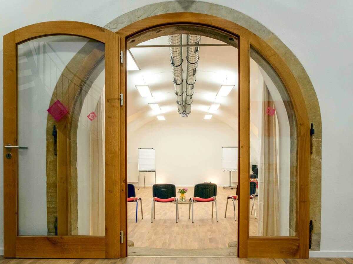 Eingang zum großen Seminarraum Mandelblütenhof Gimmeldingen